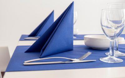 Serviettes en tissu vs serviettes en papier: le match